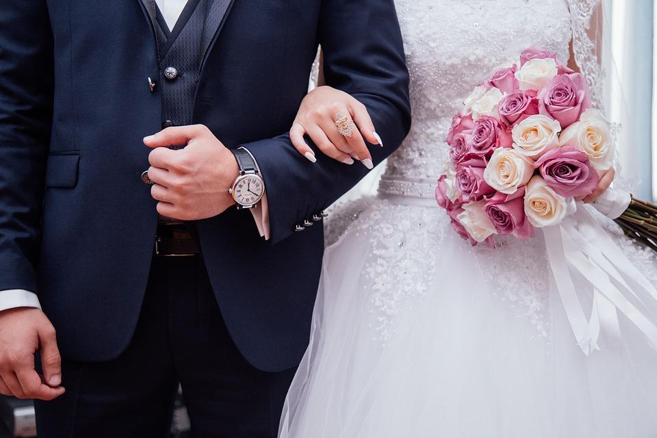 Strój Pana Młodego na ślub cywilny